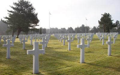Visitar el cementerio para honrar a los muertos
